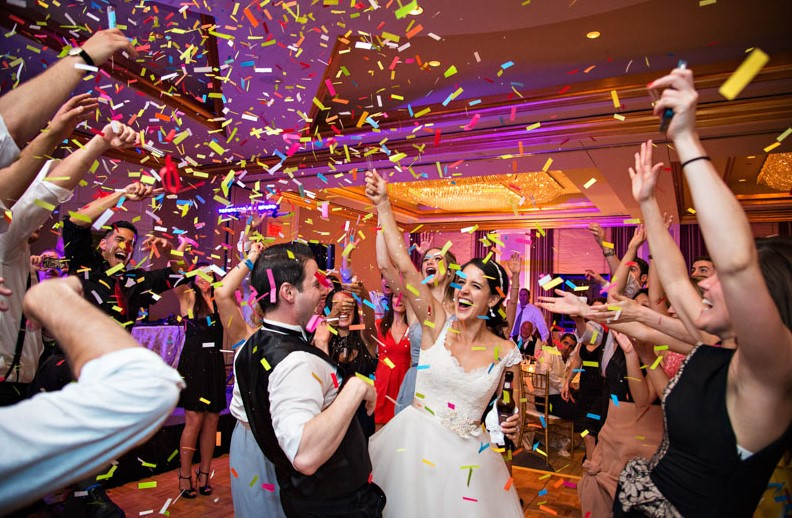 Make a Wedding Ideas with Interesting Entertainment that are Different from Usual and Its Benefits